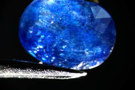 蓝宝石玻璃