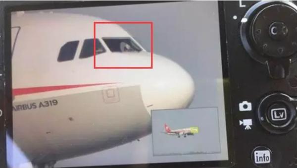 """飞机驾驶舱玻璃炸了!副机长被吸出窗外,川航上演""""奇迹备降"""""""