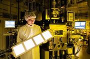 LGD误判市场情势酿企业危机 积极转型为OLED工厂