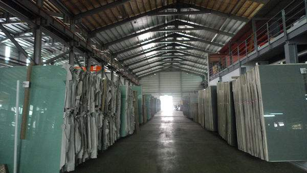 多地玻璃企业库存略微下降,纯碱企业生产及出货稳定