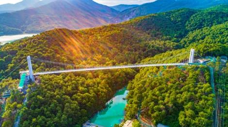 佛山盈香生態園玻璃橋率先通過專家組復審,國慶假期將迎新高峰