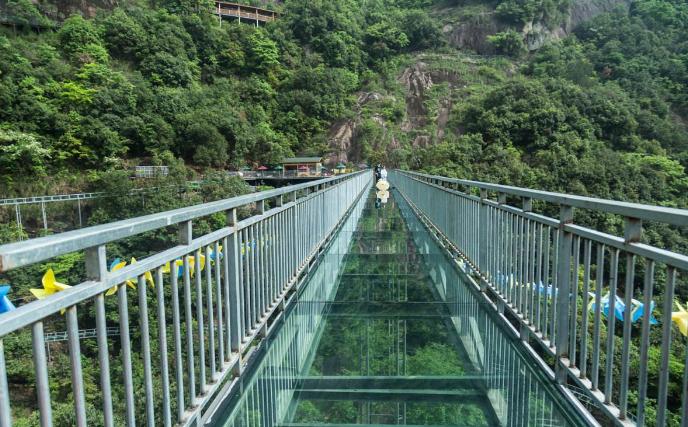 浙江湖州立法明確玻璃棧道監管主體