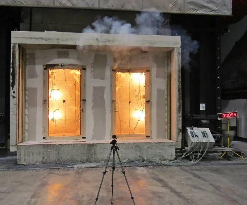 """在欧洲,玻璃防火门能用作""""室内门""""吗?"""