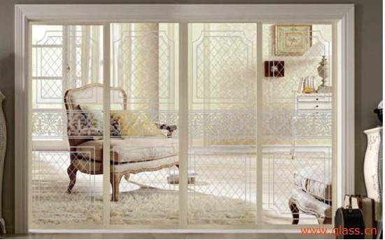 玻璃隔斷就經常會應用在廚房(廚房裝修效果