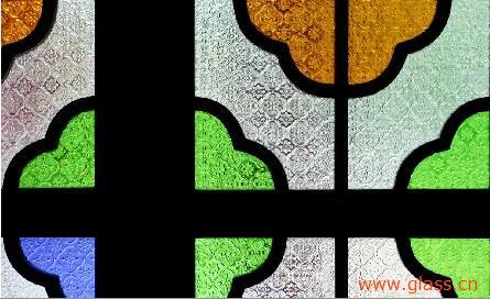 玻璃可拼成各种花纹,图案