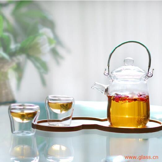 掌握简易清洗方法,保持玻璃茶具干净透亮