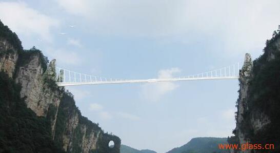 张家界大峡谷玻璃桥即将对外开放