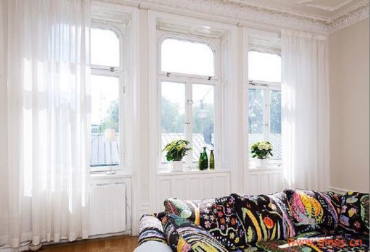 关闭窗户后边框与框架的密封以及安装后窗户与墙体的密封,它们共同