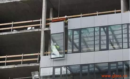 吊挂玻璃幕墙的施工技术及维修保养