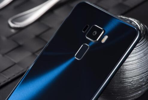 双面2.5D玻璃!华硕ZenFone3灵智高颜值美拍利器