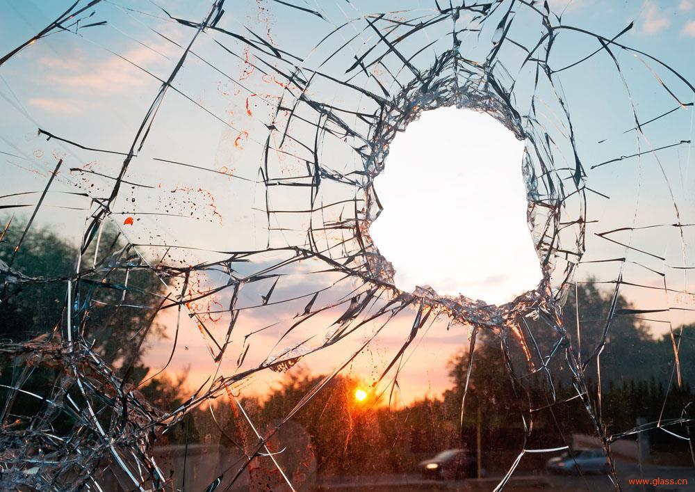 碎裂特效玻璃有哪些问题 又有什么安全隐患呢