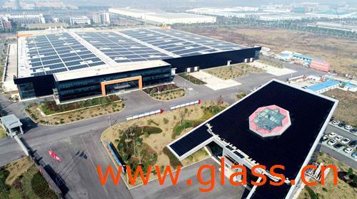 """""""黑色玻璃"""":光伏储能产业的新未来"""