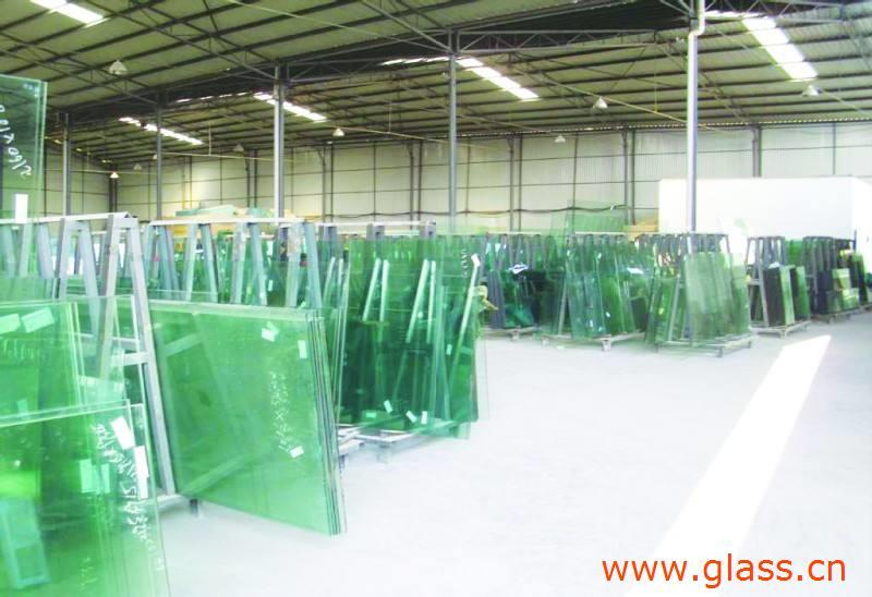 国内玻璃现货市场稳中看涨,纯碱市场出货顺畅