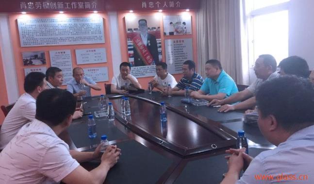 萍矿浮法玻璃厂组织党员班组长到安源管道公司开展学习交流
