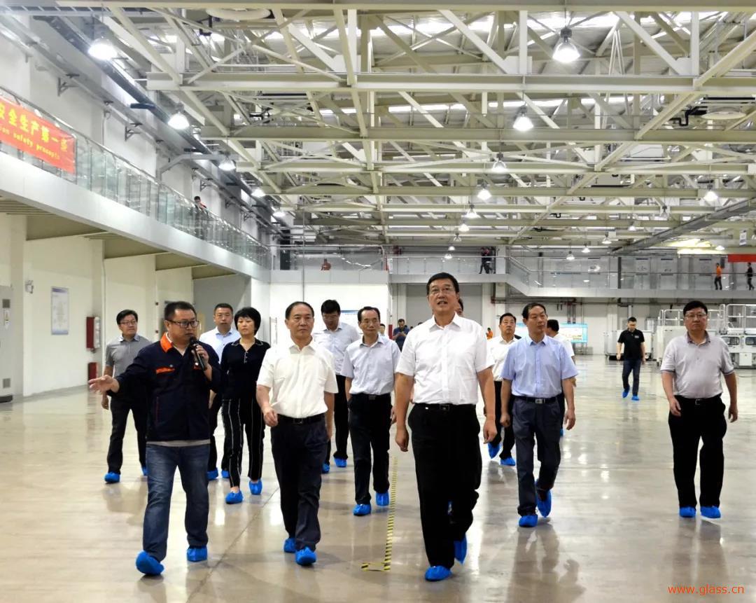 凯盛玻璃蚌埠研究院院迎淮安市委书记姚晓东到企调研