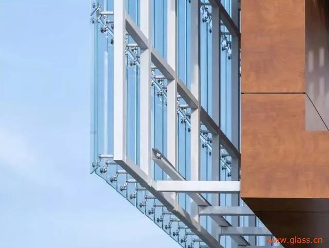 LOW-E玻璃+白色铝蜂窝板!映出徐州大型购物中心之美