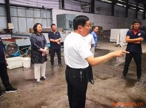 赵忠宇一行到鲍沟镇调研督导在线快三计划—大发彩票平台涉酸企业环保工作