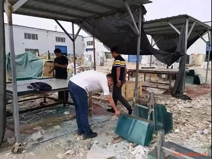 新疆和田市开展塑窗产品、玻璃专项检查