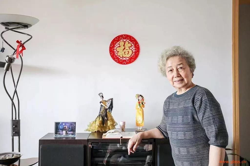 耀华老领导李德芳新中国第一片茶色玻璃背后的故事