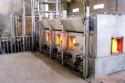 玻璃窑炉中出现耐火材料结石缺陷的原因