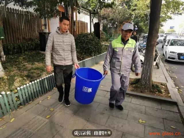 杭州一街区开通全市首条商街废旧玻璃收运专线