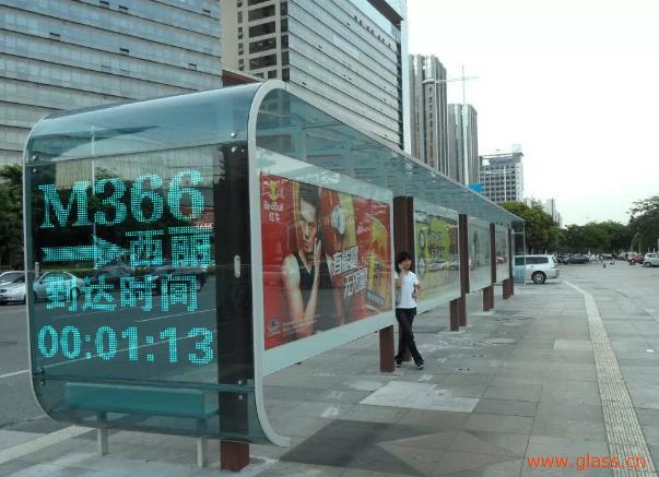 光电智能建筑玻璃让城市公共标识更智能