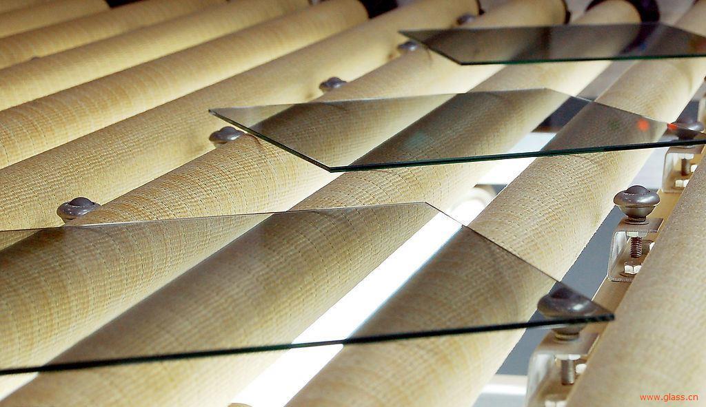 玻璃行情呈区域分化,部分厂家明升暗降以增加出库速度