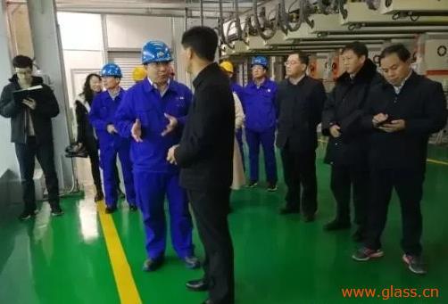 洛阳市常务副市长王琰君莅临龙海玻璃调研指导