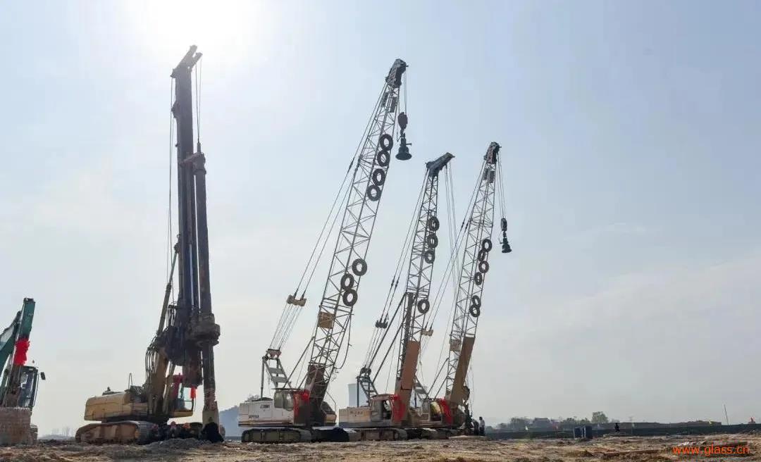 長興旗濱節能玻璃項目開工儀式現場