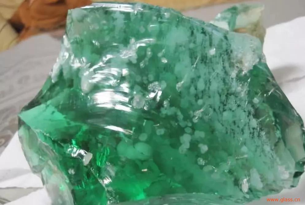 天然玻璃竟是玉石?这个东西来头太不简单了!