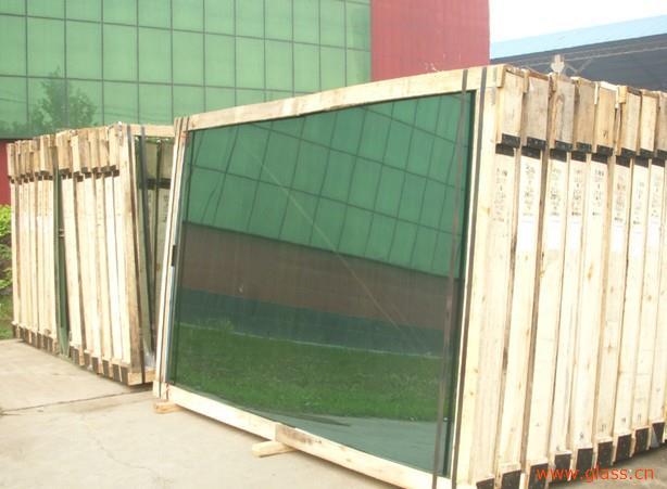 东莞市宏建玻璃的钢化玻璃具有什么特点?