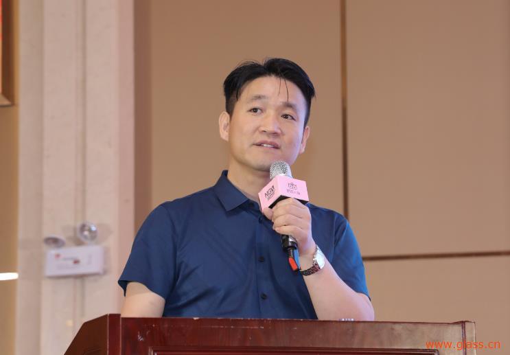 中国首个专业防火玻璃委员会成立