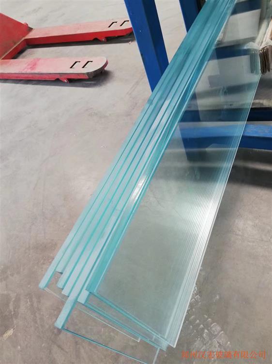 郑州12mm超白隔断玻璃