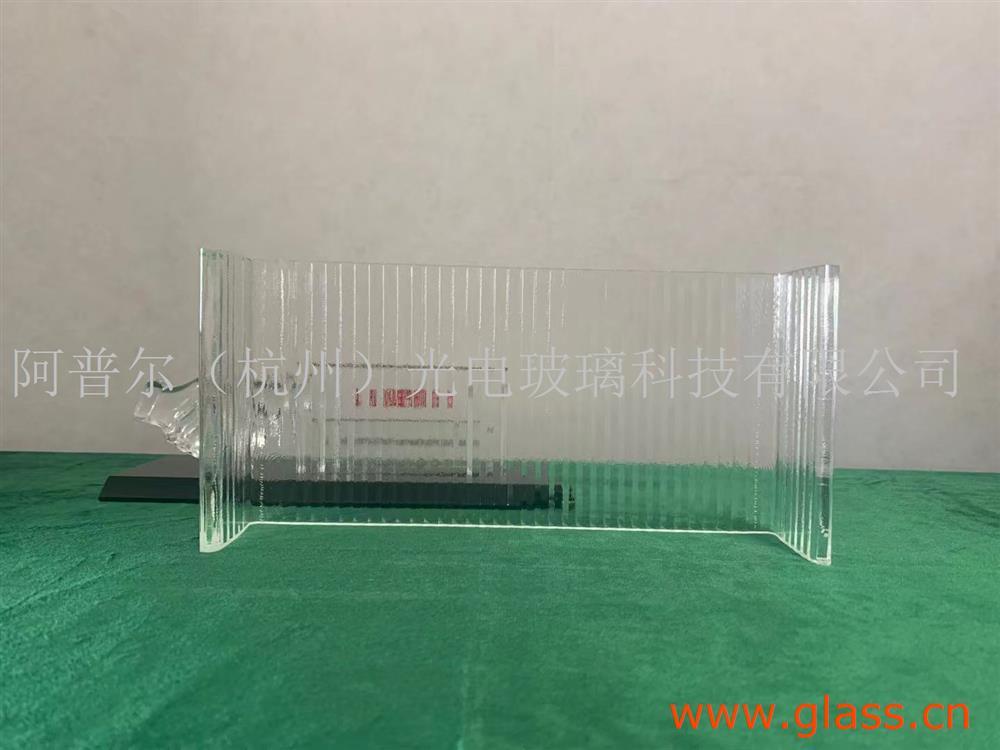 超白粗条纹U型玻璃