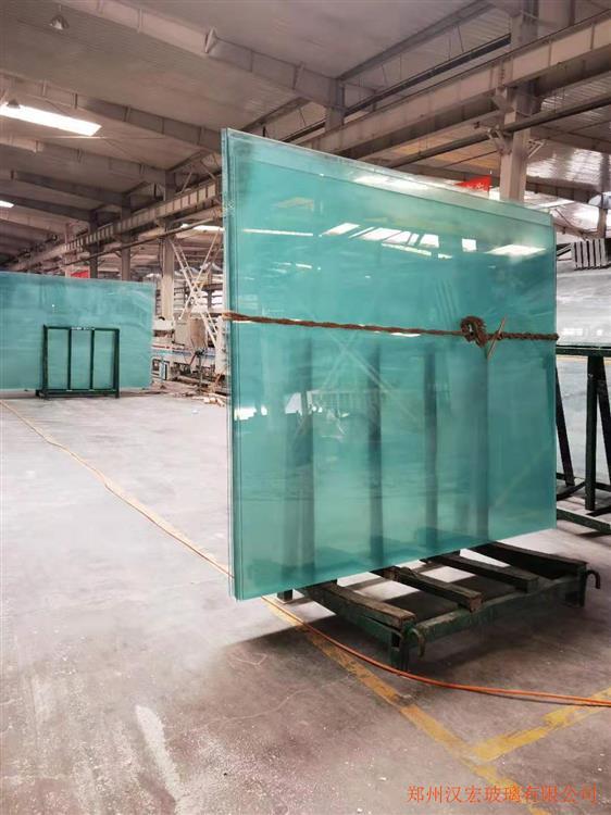 8毫米车库雨棚夹胶玻璃