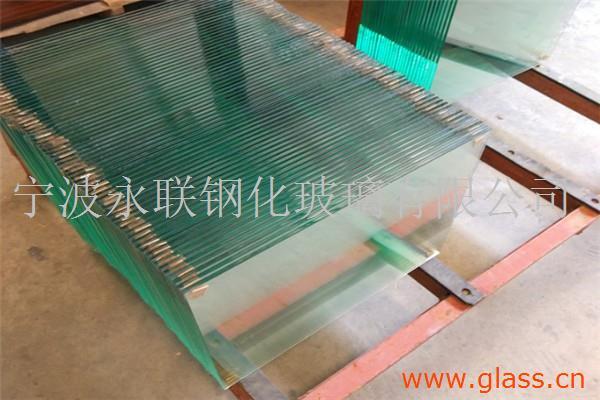 高硬度钢化玻璃
