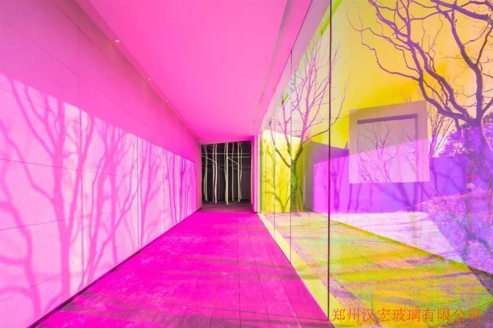 粉色镀膜玻璃