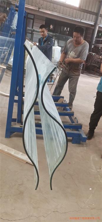 多曲弯钢玻璃用于场馆、售楼部、商业等