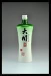 乳白料喷釉瓶