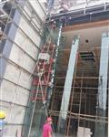 林肯展厅吊挂超白钢化玻璃