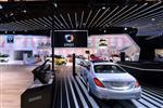 2015深圳奔驰车展U型玻璃背景墙