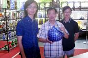 吴氏玻雕三代人:用玻璃讲述故事,以雕刻分享人生
