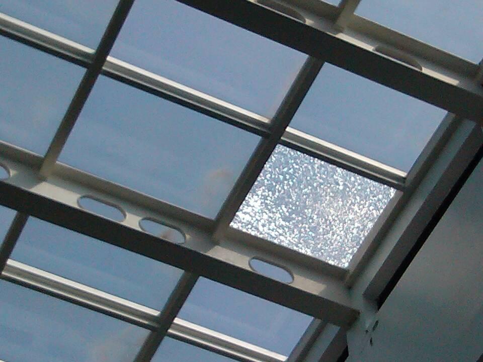 洛阳玻璃股份子公司将建设三个玻璃深加工项目